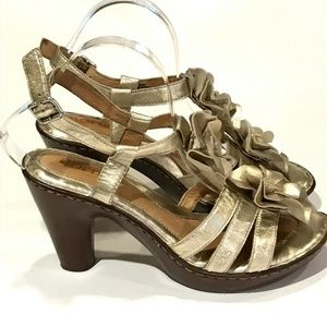 Born Womens 9 Castle Champagne Sandals Heels Ankle